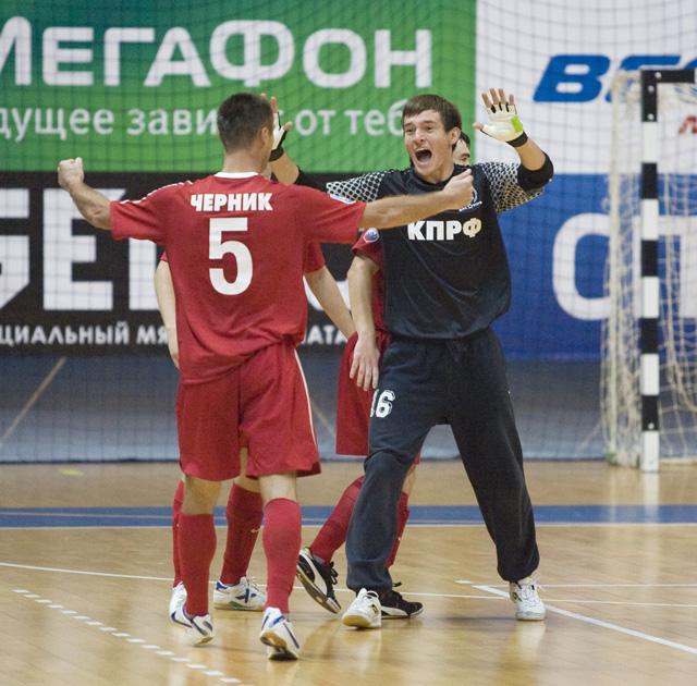 КПРФ набирает первое очко в Суперлиге
